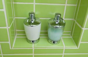 Green Modern Bathroom Tile | Bathroom #89