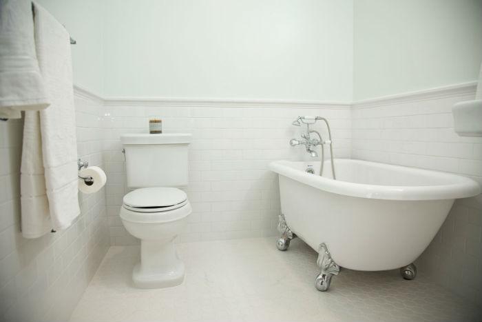 freestanding-tub-example-vintage-bathroom-job-40