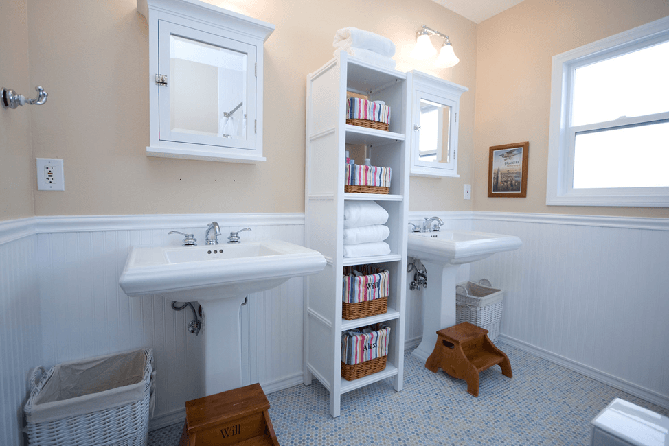 small-bathroom-with-optimized-space